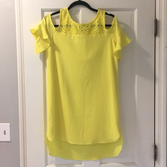 Gianni Bini Dresses & Skirts - Gianni Bini yellow dress